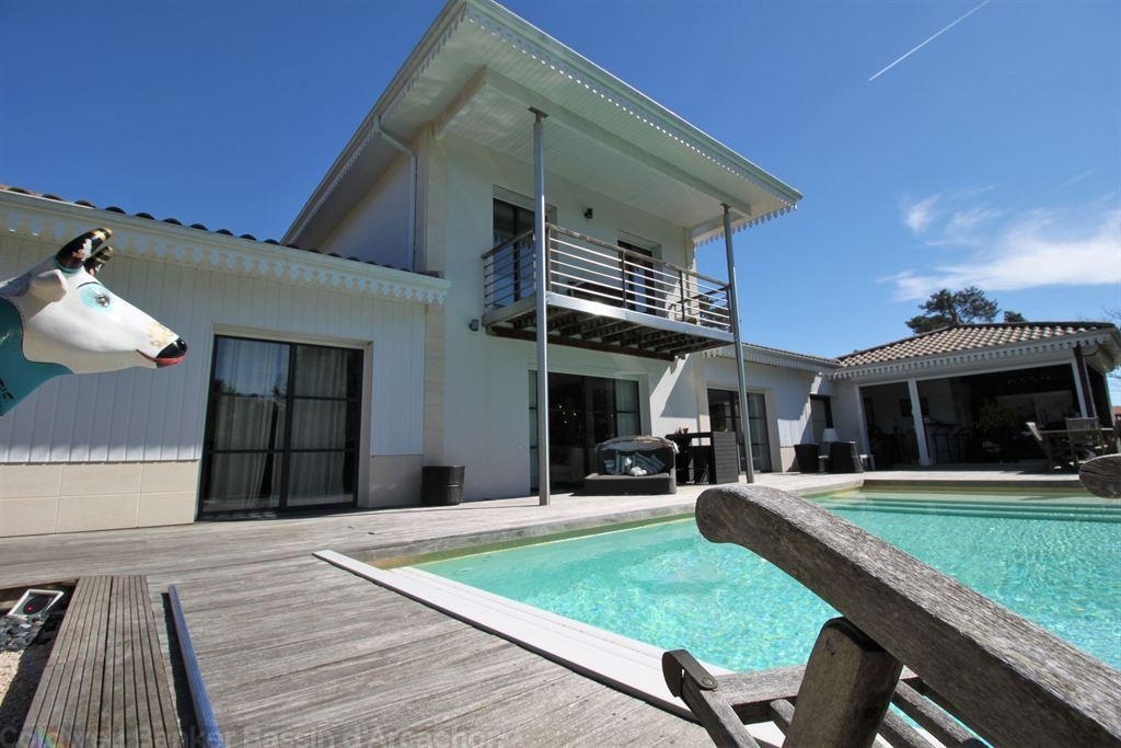 High Quality Luxury 2 Bedroom Holiday Apartment With Pool Arcachon Bay
